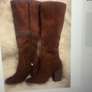 NWT...SODA knee high boot taupe suede. Size 6.